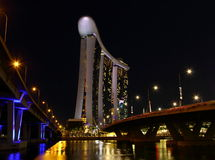 Nachtansicht von Jachthafenbuchtsanden in Singapur Lizenzfreies Stockbild