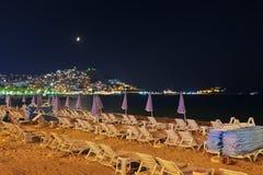 Nachtansicht von Kusadasi die Türkei Lizenzfreie Stockbilder