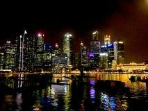 Nachtansicht von Marina Bay stockfotografie