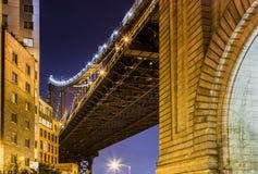 Nachtansicht von New York City Zeichen, Ziegelsteine, nahe der Brooklyn-Brücke Stockbild