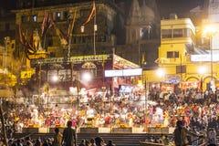 Nachtansicht von Varanasi von Stockbild