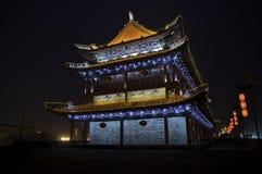Nachtansicht von Xi'an-Stadtmauer Lizenzfreie Stockbilder