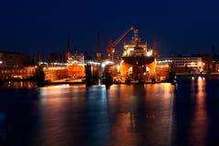 Nachtarbeit im Yard Lizenzfreie Stockfotos