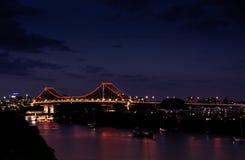 Nachtaufnahme der Geschichten-Brücke Lizenzfreie Stockfotografie