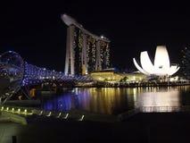 Nachtaufnahme der Hafenansicht Marina Bay Sandss in Singapur Stockbild