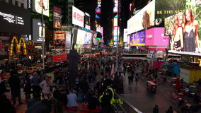 Nachtaufnahme des Times Square stock footage