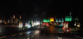 Nachtautofahrt Lizenzfreies Stockfoto