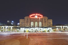Nachtbild Denver Union Stations Stockfoto