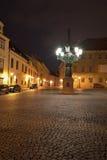 Nachtbild der Gaslaterne oder -lampe auf dem ältesten Teil von Prag in Hradcany, Prag-Schloss Stockfotografie