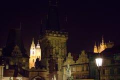 Nachtbild des Prag-Stadtzentrums Stockbilder