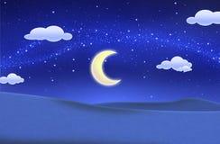 Nachtblauer Himmel und schönes grünes Feld stockfoto