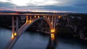 Nachtbrücke Stockfoto
