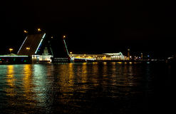 Nachtbrücke Petersburg Stockfotos