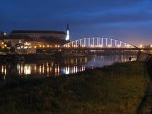 Nachtbrug over Elbe in Decin Stock Fotografie