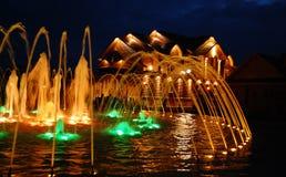 Nachtbrunnen stockbild