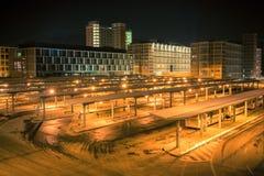 Nachtbusbahnhof Stockfoto