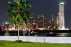 Nachtcityscape van de stad van Panama, Panama, Midden-Amerika Stock Afbeelding