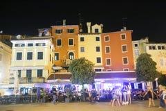 Nachtclub auf Promenade in Rovinj Lizenzfreie Stockfotografie