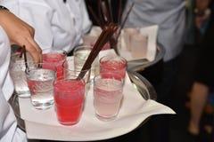 Nachtclubstillleben mit alkoholischen Getränken Lizenzfreie Stockbilder