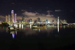 Nachtdaling van de Stad van Panama, Panama Royalty-vrije Stock Foto