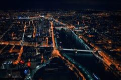 Nachtelijk Parijs van de toren van Eiffel Stock Afbeelding