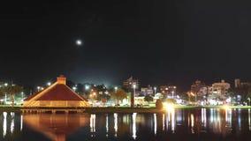 Nachtelijke tijdtijdspanne | landschap en de ster in de nachthemel stock footage