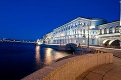 Nachten in de stad van St. - Petersburg Royalty-vrije Stock Afbeeldingen