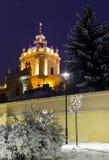 Nachtfoto van de Kerk in Lviv Royalty-vrije Stock Afbeeldingen