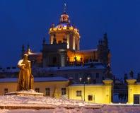 Nachtfoto van de Kerk in Lviv Stock Fotografie