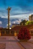 Nachtfoto van Onafhankelijkheidsvierkant en het monument van Hagia Sophia in stad van Sofia, Bulgarije Stock Afbeelding