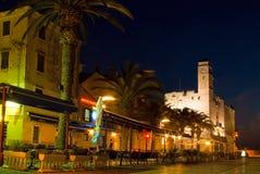 Nachtgaststätten und Kaffee der alten Stadt Stockbild