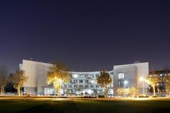 Nachtgebäude Stockbild