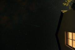 Nachthemel en vallende ster Royalty-vrije Stock Fotografie