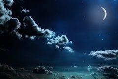 Nachthemel met sterren en volle maanachtergrond Royalty-vrije Stock Afbeeldingen