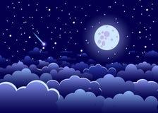 Nachthemel met wolken en sterren, en de volledige gloeiende maan, land Royalty-vrije Stock Afbeelding