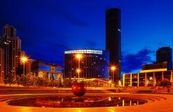 Nachtim stadtzentrum gelegene Mitte der Ekaterinburg-Sommerhitze lizenzfreies stockfoto