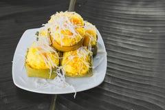 Nachtisch thailändischer süßer sugarpalm Kuchen mit Kokosnuss Lizenzfreie Stockbilder
