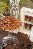 Nachtischtabelle für ein Hochzeitsfest lizenzfreie stockfotos