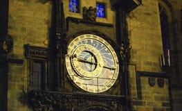 Nachtklok op het Stadhuis royalty-vrije stock foto