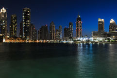 Nachtlandschaft in Dubai Lizenzfreie Stockbilder