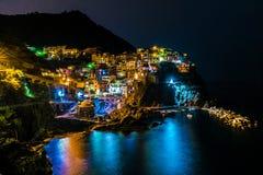 Nachtlandschap in Manarola Cinque Terre Italy royalty-vrije stock afbeelding