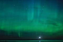 Nachtlandschap met Aurora Borealis Royalty-vrije Stock Afbeeldingen