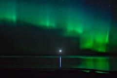 Nachtlandschap met Aurora Borealis Stock Afbeeldingen