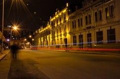 nachtlichten onder het autoras Stock Afbeelding
