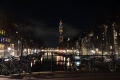 Nachtlichten van Amsterdam nederland Stock Afbeelding