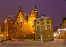 Nachtlichten van de stad op Kerstnacht in Wroclaw stock afbeeldingen