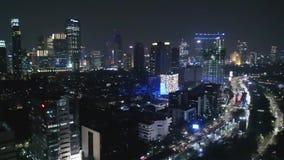 Nachtluftlandschaft von Jakarta im Stadtzentrum gelegen stock video