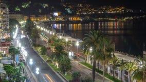 Nachtluftpanorama von Nizza timelapse, Frankreich Beleuchtete alte Stadtkleine Straßen und -Ufergegend stock footage