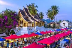 Nachtmarkt in Luang Prabang Stock Afbeeldingen