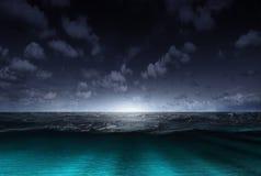 Nachtmeer Lizenzfreie Stockbilder